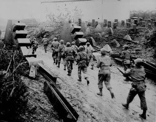 More than 16 000 000 American troops served in WW2. Of these, 405 000 were killed during the war