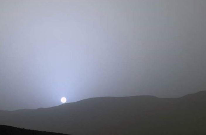 The blue sunset of Mars