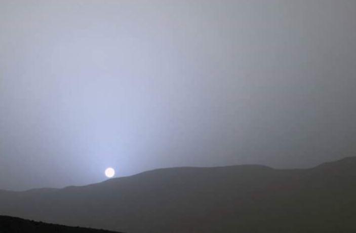 The blue sunset of Mars