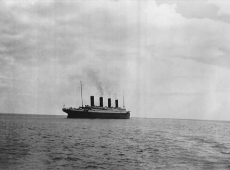 The last photo taken of the Titanic in 1912