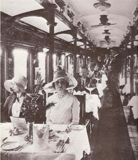 Dining car of the Pongola 146 in its heyday