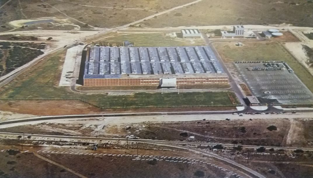 In 1963, GM purchased 395 acres of industrial land at Aloes, seven miles from the Kempston Road plant. Using 30 acres of this plant, a new R21m engine plant was built. It was opened by Dr N. Diederichts on 5th April 1965
